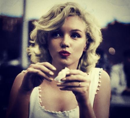 Marilyn-marilyn-monroe-33568907-500-455